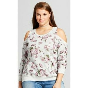 Tops - New plus size Gray floral cold shoulder top